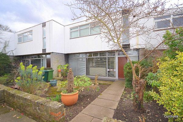 1960s Edward Schoolheifer modernist house in Manygate Lane, Shepperton, Surrey