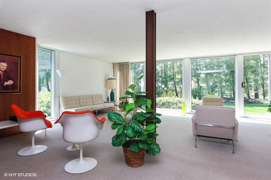 1950s midcentury modern property in Michigan City, Indiana, USA