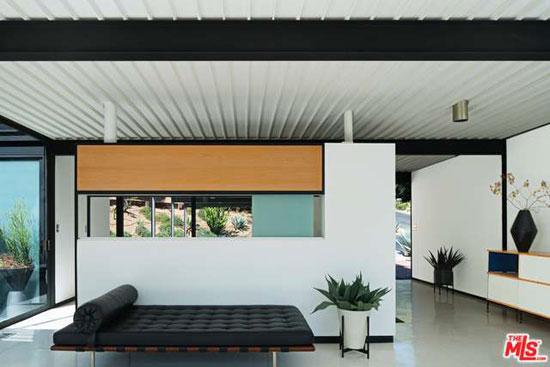 1950s Pierre Koenig-designed Case Study House #21 in Los Angeles, California, USA