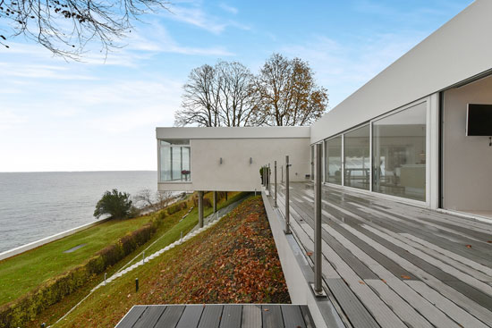 1950s modernist property in Vedbaek, Denmark