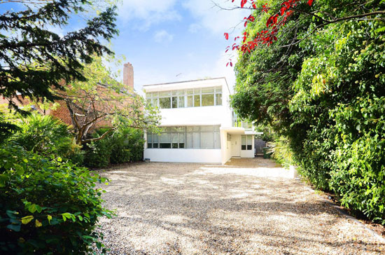 1930s Connell, Ward and Lucas modernist house in Worcester Park, Kingston Upon Thames, Surrey