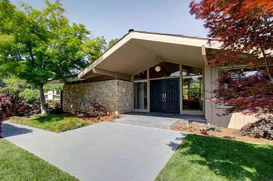 On the market: 1960s three-bedroom midcentury modern property in Sacramento, California, USA