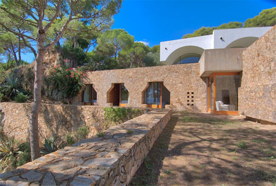 1970s Antoni Bonet Castellana modernist property in Calella, Spain