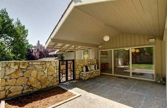 1960s three-bedroom midcentury modern property in Sacramento, California, USA