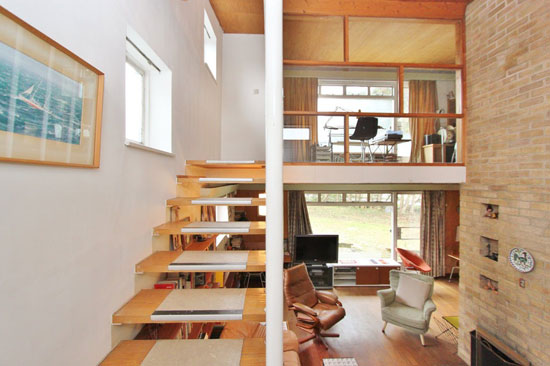 1960s modernist property in Dry Drayton, Cambridgeshire