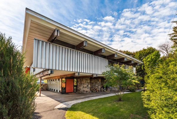 1960s Roger D'Astous midcentury modern house in Boucherville, Quebec, Canada