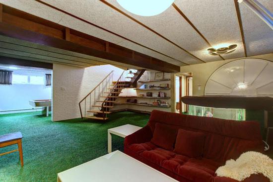 1950s midcentury modern house in Boucherville, Quebec, Canada