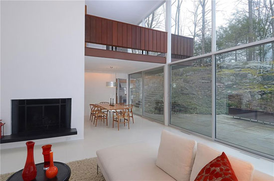 1950s modernism: Willis N. Mills-designed Willis Mills House in New Canaan, Connecticut, USA