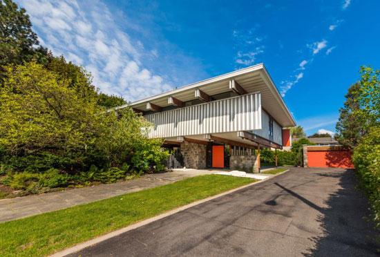 1960s Roger D'Astous midcentury modern house in Boucherville, Quebec, Canada
