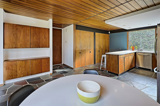 1960s midcentury modern property in Levis, Quebec Canada