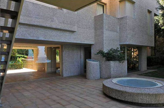 On the market: 1970s Frank Lloyd Wright-inspired 20-bedroom coastal mansion in Rossignano Marittimo, Tuscany, Italy