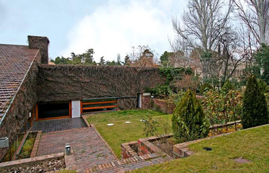 On the market: 1960s Corrales and Molezún-designed midcentury modern property in Madrid, Spain