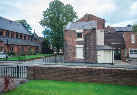 1960s modernist-style property in Chester, Cheshire