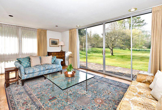 Longwood 1960s midcentury property in  Chorleywood, Rickmansworth, Hertfordshire