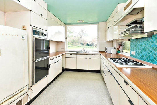 Longwood 1960s midcentury property in  Chorleywood, Rickmansworth, Hertfordshire