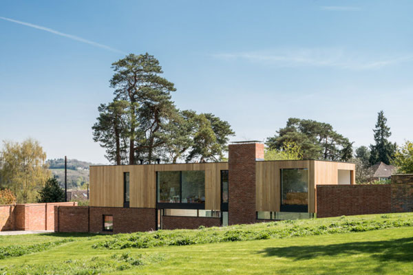 John Pardey-designed Cheeran House in Lower Basildon, Berkshire
