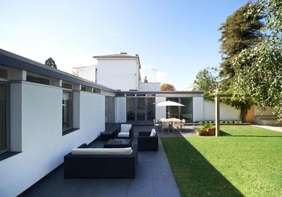 1960s Roger Dyer-designed modernist property in Cheltenham, Gloucestershire