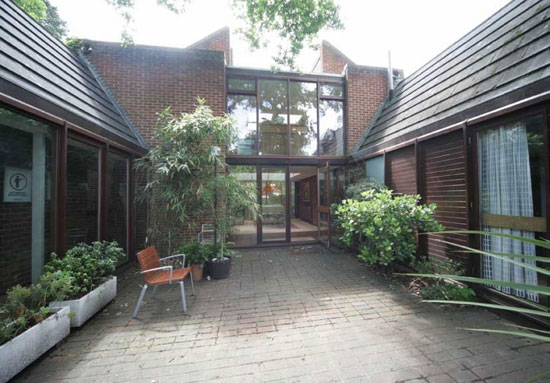 To let: 1970s Anthony Goddard and Donald Manton-designed Tapiola house in Chislehurst, Kent