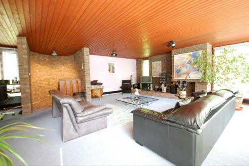 1980s four-bedroomed modernist-style house in Chislehurst, Kent