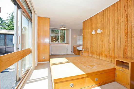 1960s detached three-bedroom house in Chiswick, London W4
