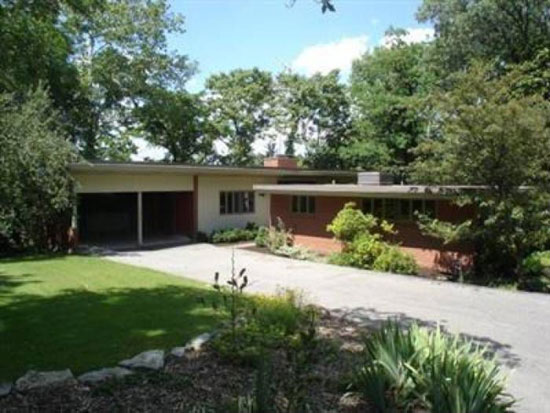 1950s Garriott and Becker-designed midcentury modern property in Cincinnati, Ohio, USA