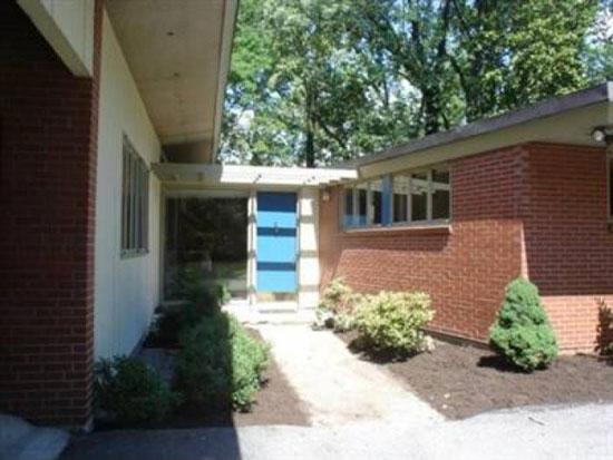 1950s Garriott and Becker-designed midcentury modern property in Cincinnati, Ohio, USA