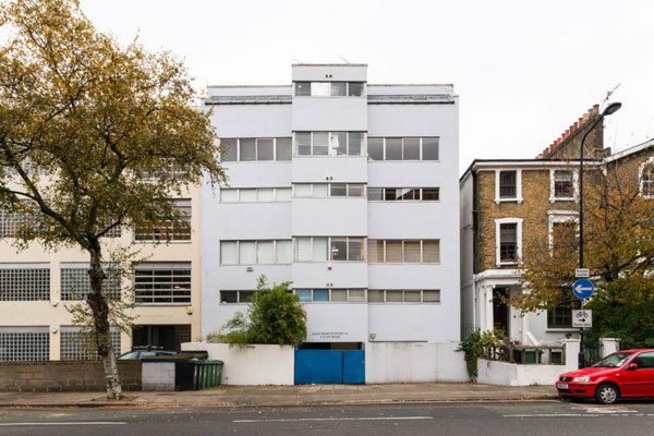 Duplex apartment in 1960s Cliff Road Studios in London NW1