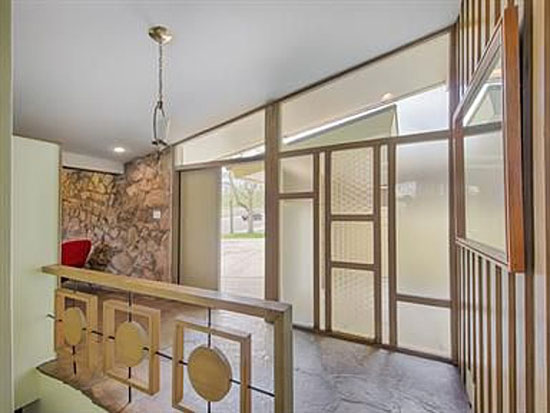 1960s three-bedroom midcentury modern property in Littleton, Colorado, USA