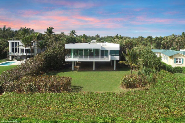 Le Corbusier-inspired modernist house in Hobe Sound, Florida, USA