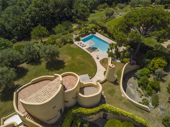 1960s modernist property in Opio, Cote d'Azur, France