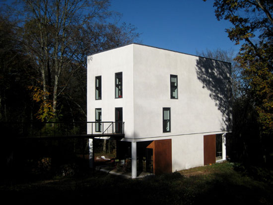 Le Corbusier-inspired three-bedroom house in Sougères-en-Puisaye, Burgundy, France