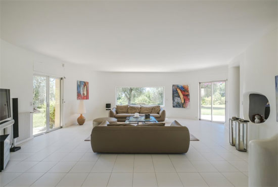 1960s modernist property in Opio, Cote d'Azur, France