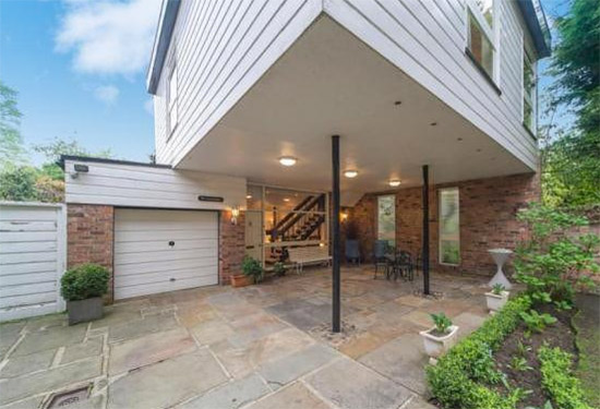 1970s Frazer Crane-designed modernist property in Altrincham, Cheshire