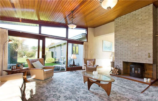 1960s Diamond Redfern Anderson-designed midcentury property in Dublin, Ireland