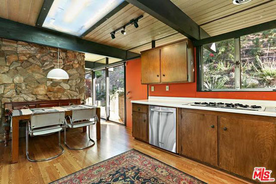 1960s midcentury modern: Dick E. Lowry-designed property in Los Angeles, California, USA