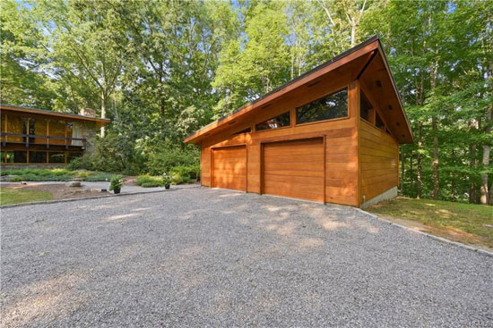 1950s David Henken midcentury modern property in Pound Ridge, New York, USA