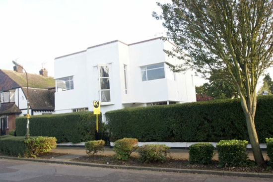 Five-bedroom 1930s art deco property in Westcliff On Sea, Essex