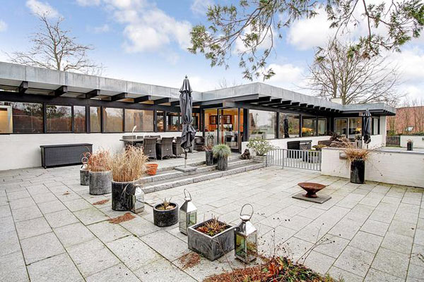 Scandinavian modernism: 1960s Henning Larsen-designed property in Birkerod, Denmark