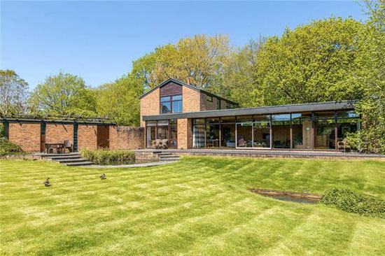 1960s modernist property in Ditchling, East Sussex