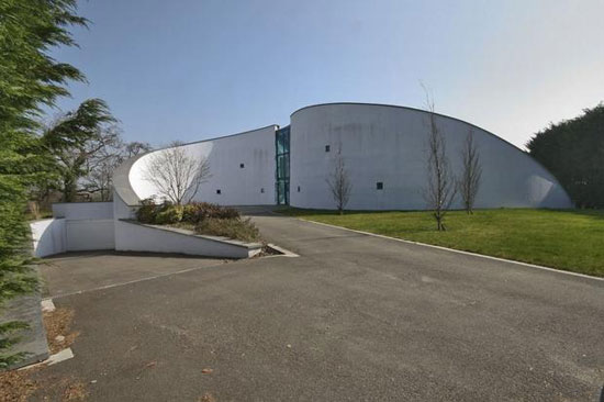 On the market: Architect-designed five bedroom contemporary modernist property in Avon Castle, Dorset