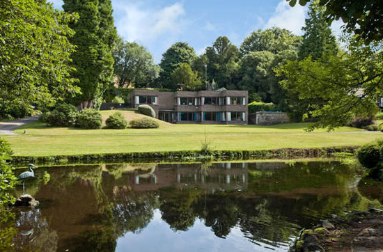 On the market: Tillingbourne House 1970s modernist property in Dorking, Surrey