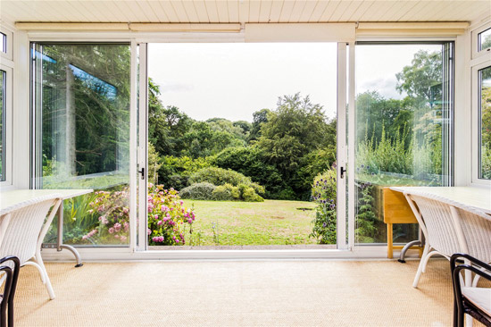 1960s modernist property in Dorking, Surrey