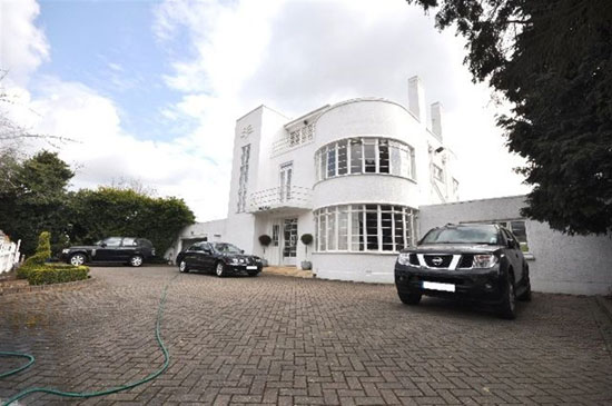 On the market: Grade II-listed Charles Evelyn Simmons-designed six-bedroom art deco house in Downage, London NW4