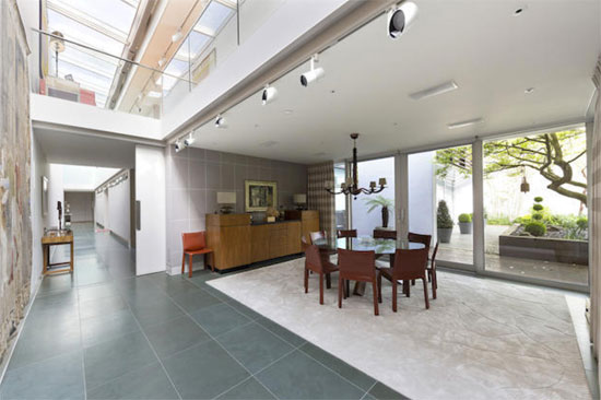 Drum House contemporary modernist property in Richmond, Surrey