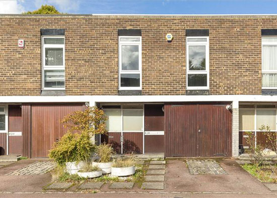 1960s Austin Vernon and Partners-designed townhouse in West Dulwich, London, SE21
