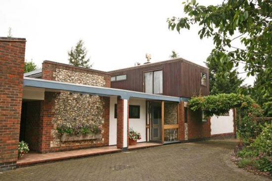 On the market: 1960s midcentury modern four-bedroom property in Kensworth, near Dunstable, Bedfordshire