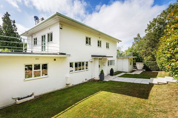 1930s P.D. Hepworth modern house in East Grinstead, West Sussex