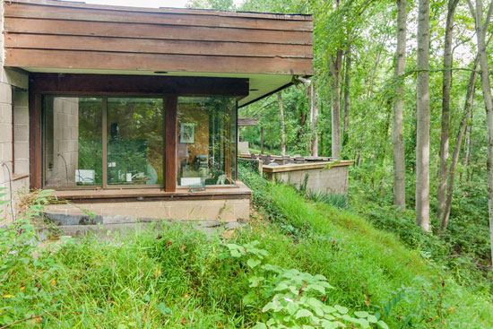 1970s Donald Reed Chandler-designed underground property in McLean, Virginia, USA