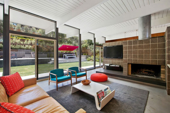 Updated 1950s Eichler house in San Rafael, California, USA