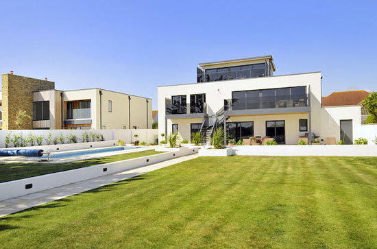 Vista Mare contemporary modernist property in East Preston, West Sussex